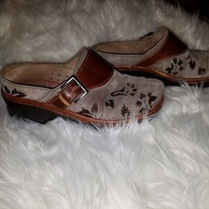 KLOG SUEDE LEATHER PATTERNED MULE/CLOGS